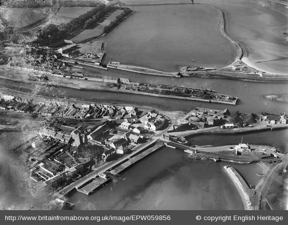 The harbour, quayside and Carnsew Pond, Hayle, 1938 - Britain from Above